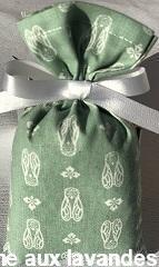 Petit sachet de fleurs de Lavande motif cigale fond vert